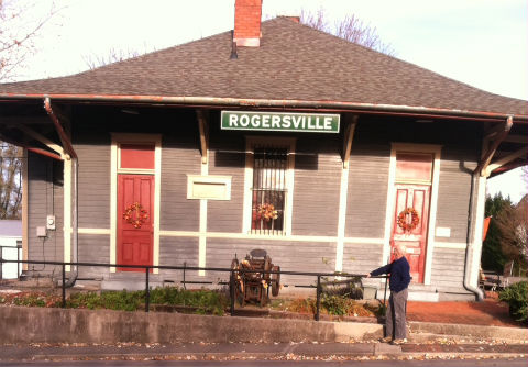Randall waiting for train in Tennessee.