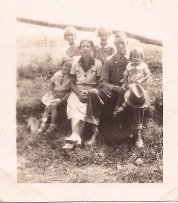 Came Backs-Keith-family photo late 30s cropped
