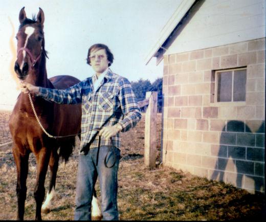 bill-w-horse-standing